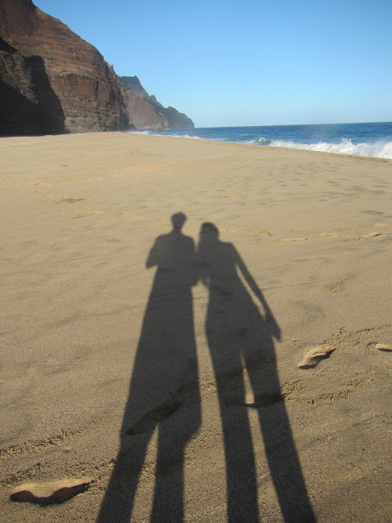 Kalalau Beach - Happy Couple Shadow